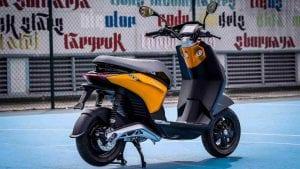פיאג`יו השיקה את הקטנוע החשמלי החדש שלה בטיק טוק