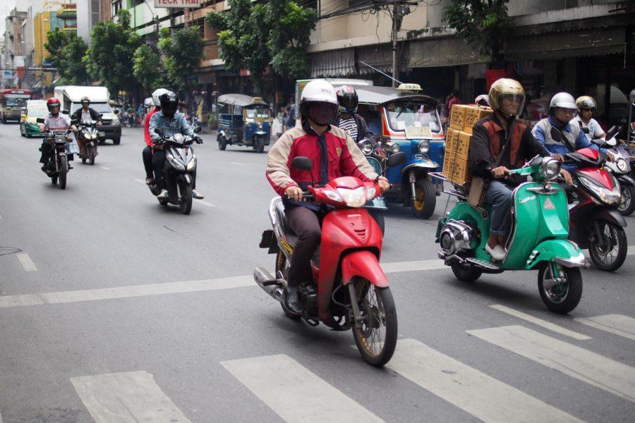 אינדונזיה מתכוונת להסב 13 מיליון אופנועים להנעה חשמלית